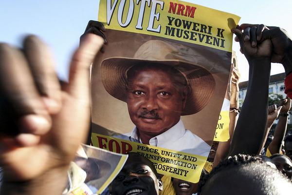 Uganda rissa in parlamento l 39 opposizione museveni non for Votazioni parlamento oggi