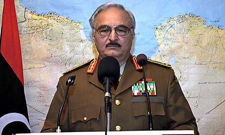 Libia, attaccato convoglio del capo di stato maggiore di Haftar