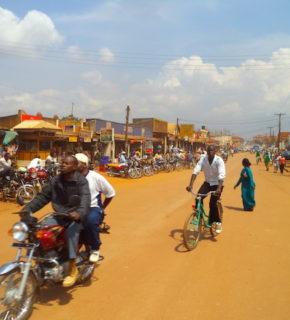 Uganda, Kampala on the road
