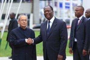 Il Presidente indiano Pranab Mukherjee e quello ivoriano Alassane Ouattara