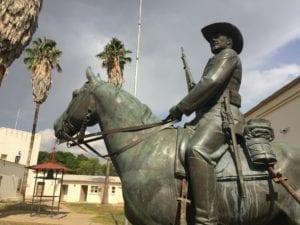 Reiterdenkmal, monumento ai caduti tedeschi durante la rivolta Herero, oggi spostato