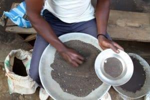 Cercatori di oro in Rd Congo