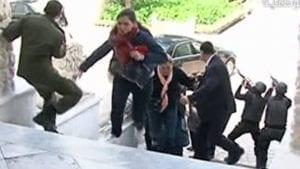 Una delle fasi dell'attacco al museo del Bardo di Tunisi