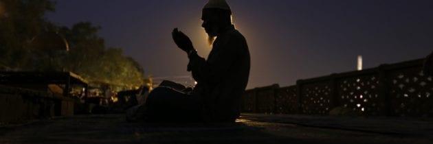 Tunisia – Amnesty International: «Non è un crimine non digiunare durante il Ramadan»
