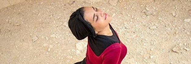 Engy El Shazly, la ballerina musulmana che piroetta col velo