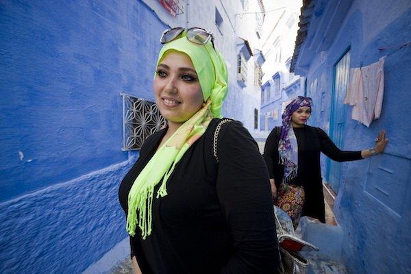 Morocco, Chefchaouen, young women