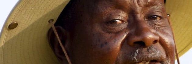 Andare controcorrente, una specialità del presidente dell'Uganda