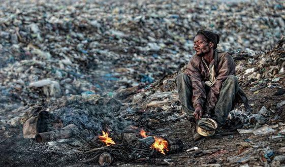 Morire di spazzatura a Maputo