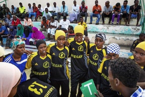 Somalia: le donne sconfiggono il terrore, al via il campionato di pallamano