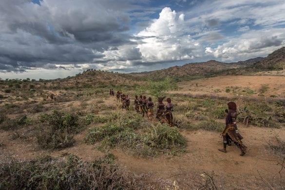 Etiopia: il rito di iniziazione dei giovani Hamer che fa discutere